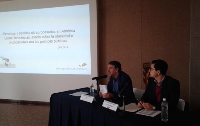 Organizaciones de la salud alimentaria denunciaron acciones de la industria refresquera que atentan contra la salud. Foto: Juan García, SinEmbargo