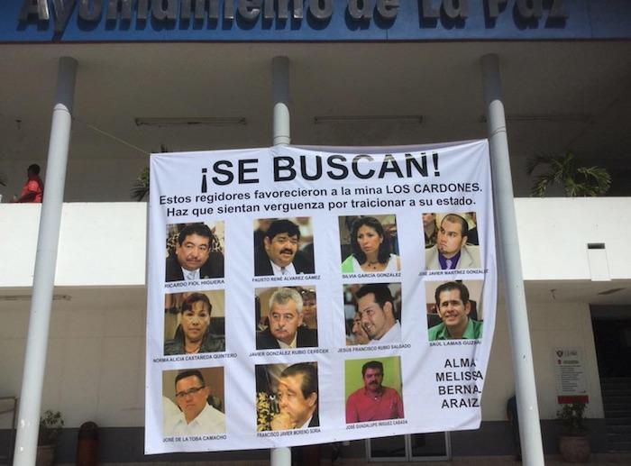 Ciudadanos de La Paz protestan en contra del proyecto minero Los Cardones. Foto: Twitter @FCDAV_BCS