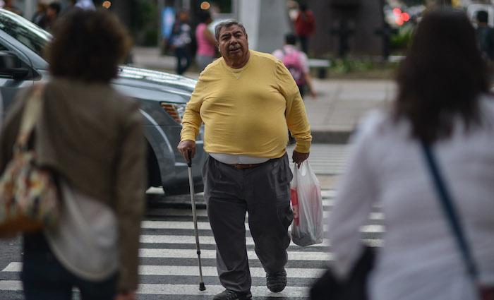 El INSP sostiene que la reducción de consumo a refrescos combate la obesidad, pero los resultados no son inmediatos. Foto: Cuartoscuro