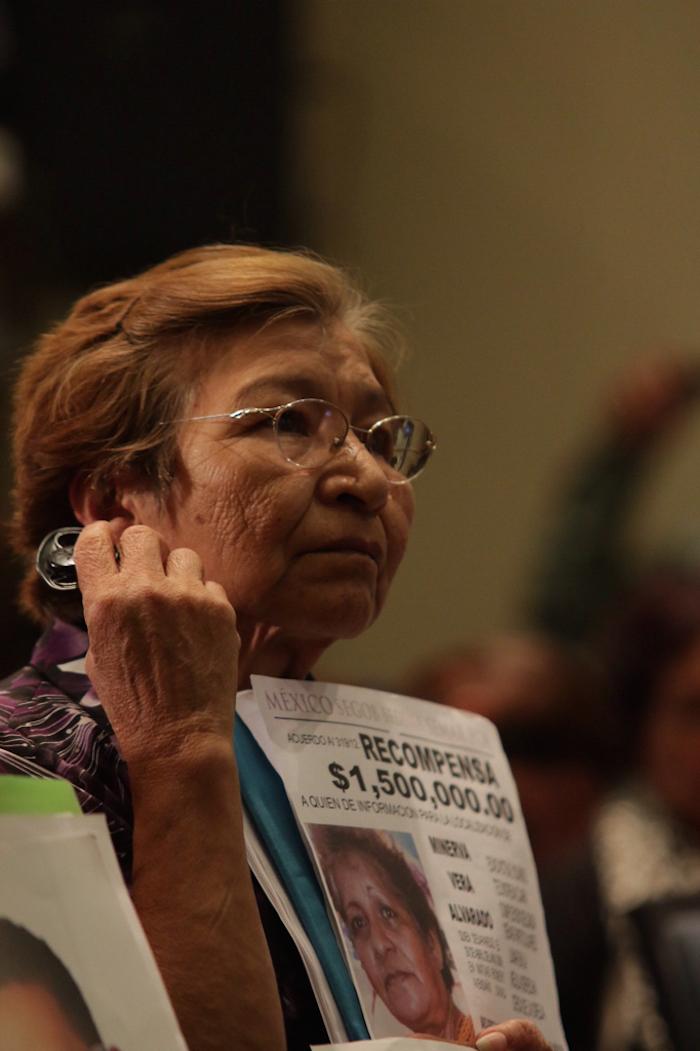 Víctimas de violaciones a los derechos humanos estuvieron presentes hoy en la conferencia de prensa de la CIDH. Foto: Luis Barrón, SinEmbargo