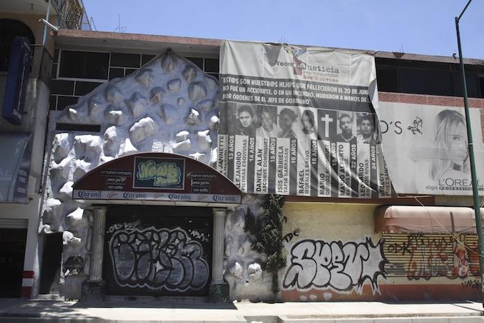 Exterior de la discoteca News Divine, que se ubicaba en Eduardo Molina 183, en la colonia Nueva Atzacoalco, en la delegación Gustavo A. Madero. Foto: Cuartoscuro