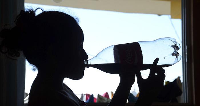 La sustitución de alimentos nutritivos por chatarra derivó en enfermedades no transmisibles en el país. Foto: Cuartoscuro