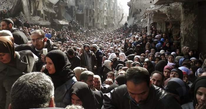 Denuncian intoxicación de refugiados por comida caduca repartida por la ONU. Foto: EFE