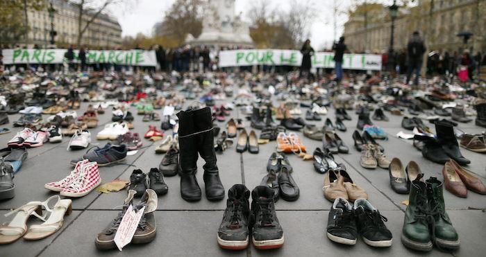 Miles de zapatos en memoria de las personas que no se pueden manifestar. Foto: EFE