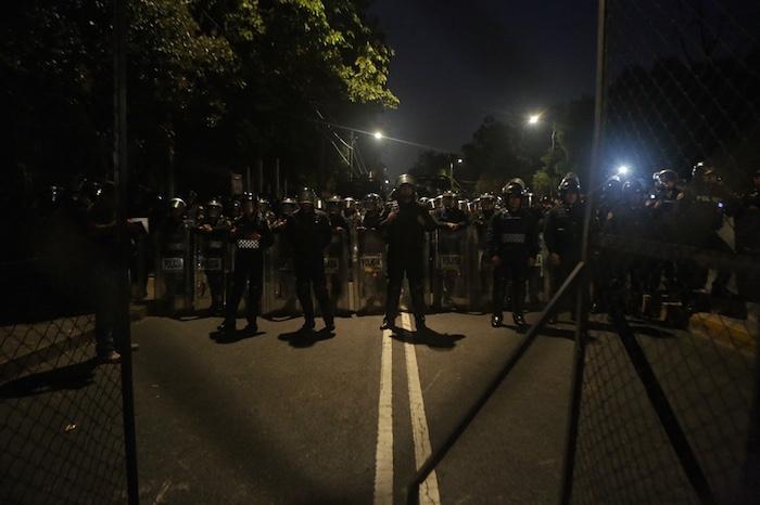 Un fuerte operativo policiaco se desplegó en las inmediaciones de Los Pinos. Foto: Francisco Cañedo, SinEmbargo