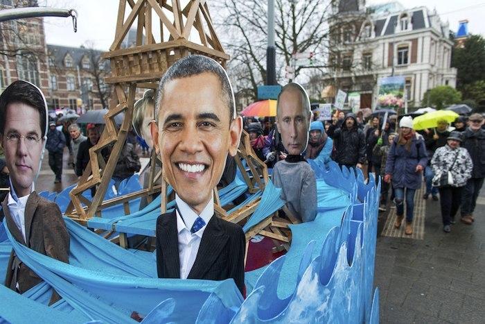 Personas participan durante la Marcha Global por el Clima en  PaÌses Bajos. Foto: Xinhua