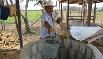 La UNAM determinó que se deben de hacer nuevos análisis para conocer si es el agua lo ha ha causado la muerte de tres menores por leucemia. Foto: Cuartoscuro Archivo