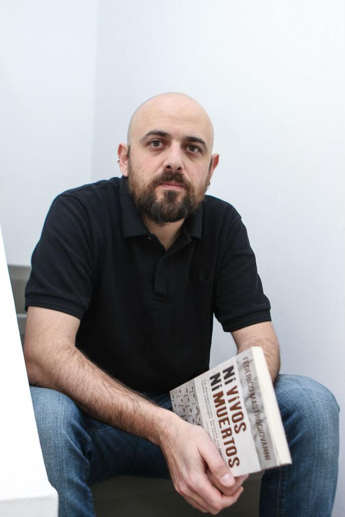 El testimonio del sobreviviente Omar García, en su libro. Foto: Francisco Cañedo, SinEmbargo