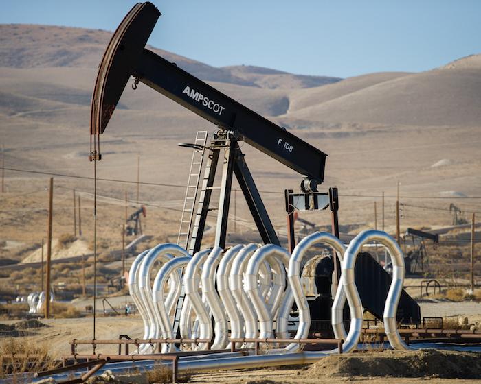 El fracking o fractura hidráhulica del suelo, por la que a través de la inyección de miles de litros de agua se extraen hidrocarburos. Foto: Shutterstock