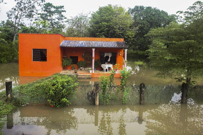 Inundación en Teapa, Tabasco. Foto: Cuartoscuro.