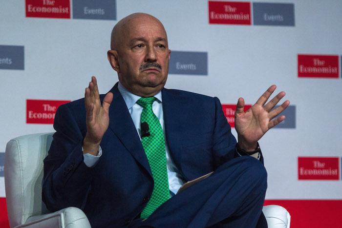 Carlos Salinas fue el invitado especial del foro México Summit organizado por el semanario británico en la Ciudad de México. Foto: Enrique Ordóñez, Cuartoscuro