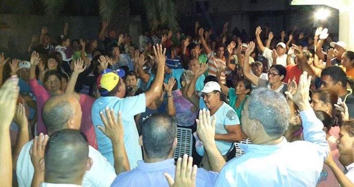 En el acto donde fue asesinado el líder regional también participaba la esposa del líder Leopoldo López Foto: acciondemocratica.org.ve