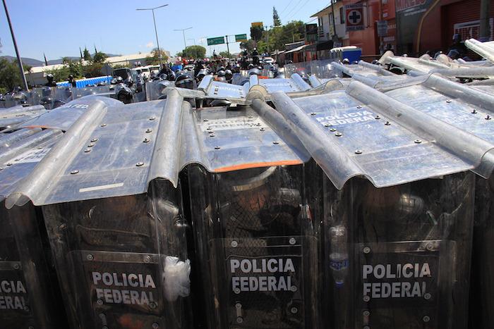 Al menos 5 mil elementos de seguridad federales arribaron a Oaxaca por la evaluación de maestros. Foto: Xinhua