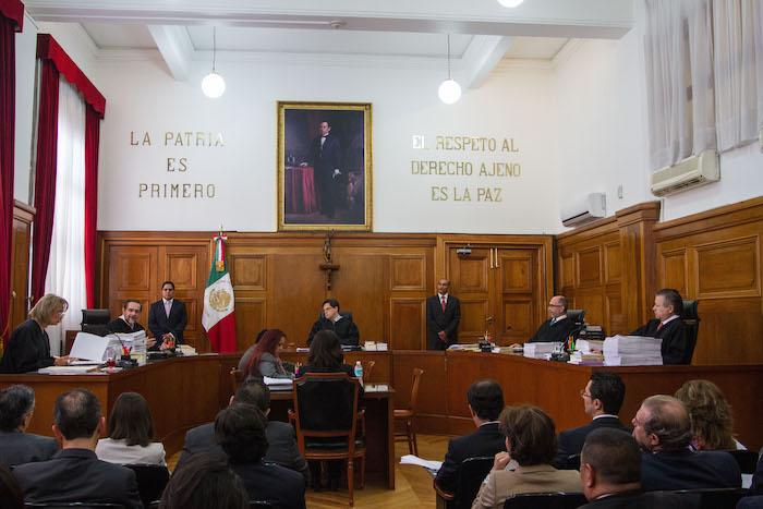 La sesión del 4 de noviembre en la que se concedió unamparo para el consumo lúdico de la mariguana. Foto: Cuartoscuro.