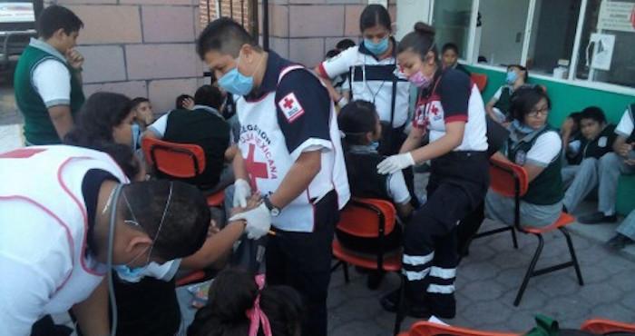 Alumnos intoxicados en secundaria de Salamanca por nube de gas. Foto: Edith Domínguez, Zona Franca