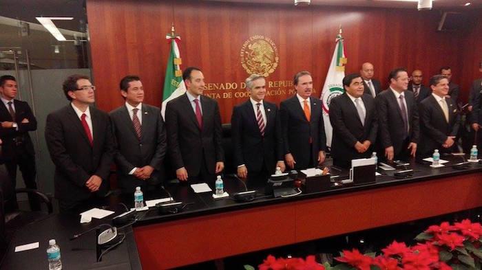 El Jefe de Gobierno del Distrito Federal, Miguel Ángel Mancera Espinosa, arribó esta noche al Senado de la República. Foto