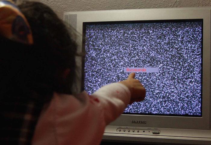 La SCT aseguró que el 90 por ciento de la población de bajos recursos ya recibe la señal digital. Foto: Notimex