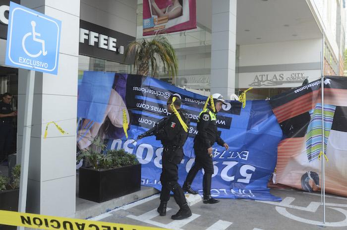 Policías acordonaron la zona. Foto: Cuartoscuro