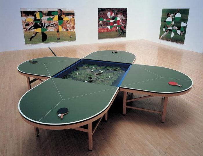 Mesa de ping-pong con estanque, 1998. Foto: Kurimanzutto.com