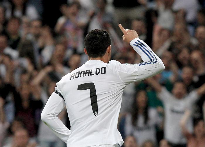 El jersey original del Real Madrid cuesta  1099 en su modelo para niño.  Foto  8cf29712c688e