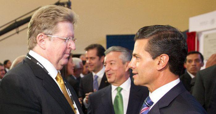 Germán Larrea con el Presidente. Foto: Presidencia de la República