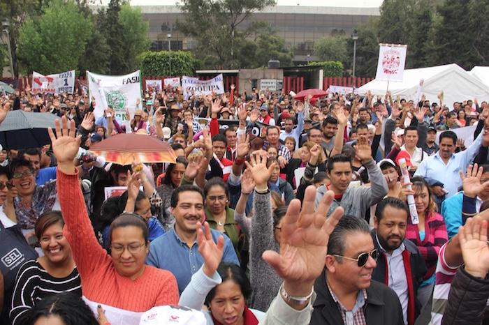 Los protestantes exigieron a los legisladores echar a bajo la reforma. Foto: Luis Barrón, SinEmbargo.