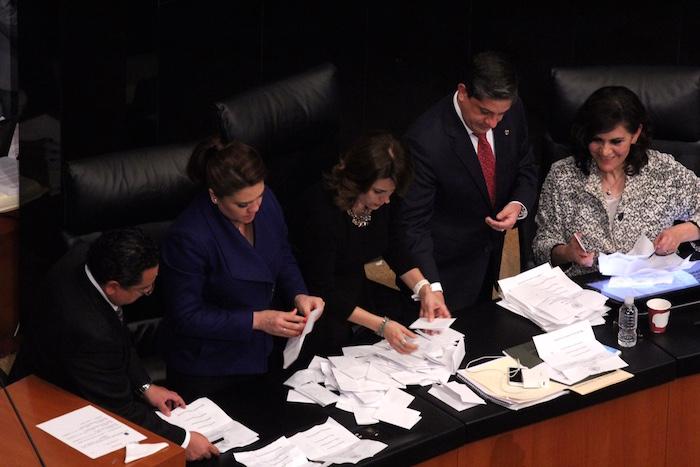 Los senadores emitierón esta noche su voto para elegir a la nueva Ministra de la SCJN, donde resultó electa Norma Piña. Foto: Luis Barrón, SinEmbargo