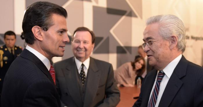 El Presidente Enrique Peña Nieto y el presidente de ICA Bernardo Quintana. Foto: Cuartoscuro.