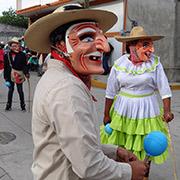Danza de los viejitos con sus ma?scaras típicas. Foto tomada en Tixtla, Guerrero