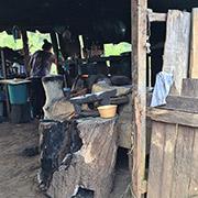 Cocina tradicional en la Sierra de Guerrero, donde el ejército mexicano ha utilizado el rifle G3 de Heckler & Koch desde los años 70