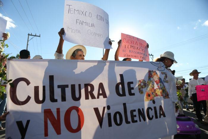 Alrededor de mil personas asistieron a la marcha para recordar a la Alcaldesa asesinada. Foto: Francisco Cañedo, SinEmbargo
