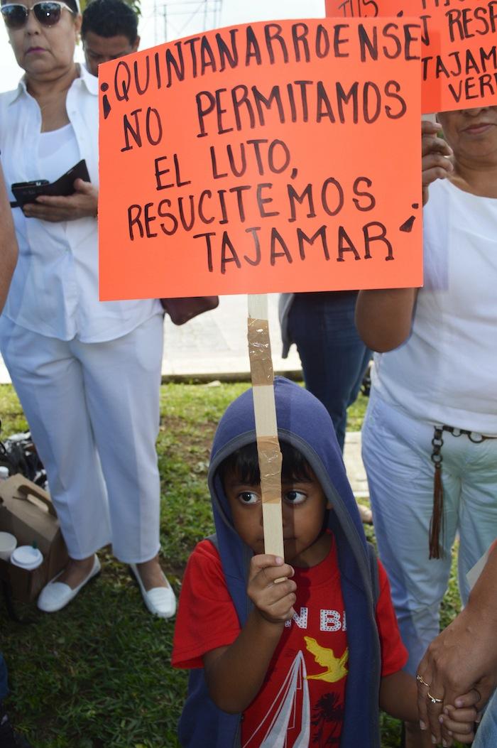 Ciudadanos, activistas y ONGs han mostrado indignación tras la devastación del manglar. Foto: Cuartoscuro.