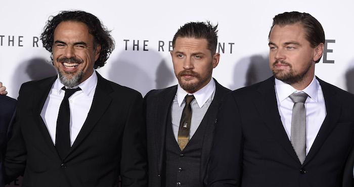 """El director y guionista Alejandro González Iñárritu y los actores Tom Hardy y Leonardo DiCaprio, en el estreno mundial de """"The Revenant"""" en el Teatro Chino TCL en Los Angeles Foto: AP"""