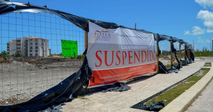 En agosto de 2015, la Profepa acudió a cuatro lotes en Malecòn Tajamar que estaban devastados, para colocar los sellos de suspensión. Foto: Cuartoscuro