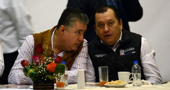 El Rector de la UAG, Javier Saldaña Almazán, en conferencia de prensa. Foto: El Sur
