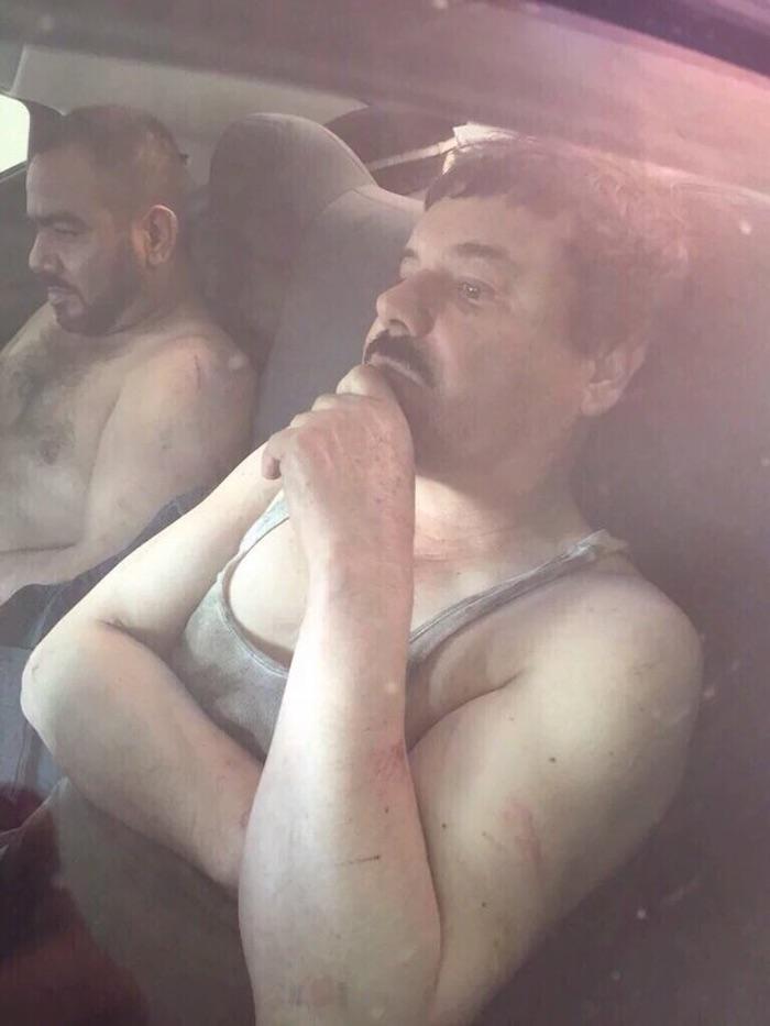 """En redes sociales circula una imagen presuntamente de """"El Chapo"""" Guzmán al ser detenido. Foto: Especial"""