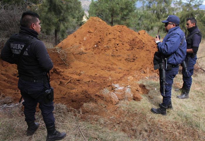 12 de enero de 2016. Fosa clandestina en Pátzcuaro, Michoacán. Foto: Cuartoscuro