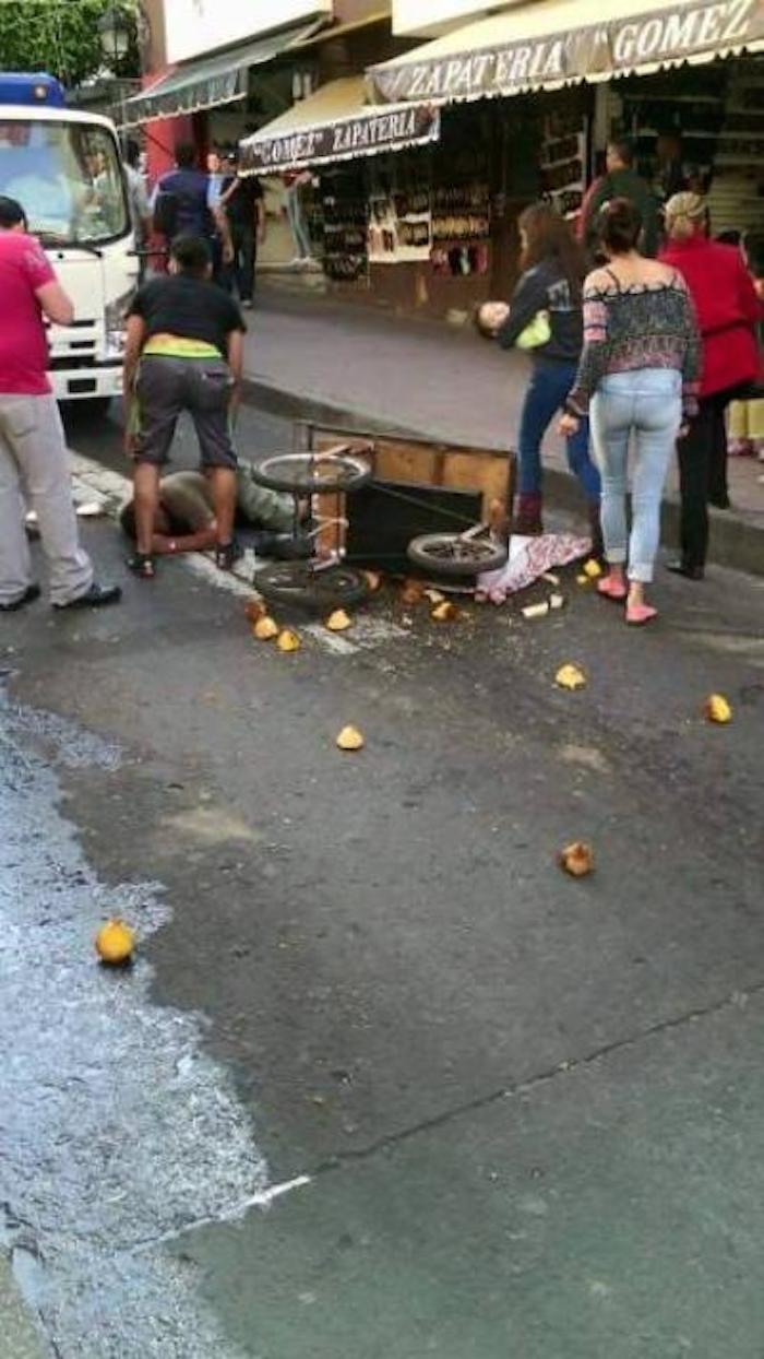 El vendedor supuestamente agredidos por los inspectores del ayuntamiento de Uruapan. Foto: Facebook