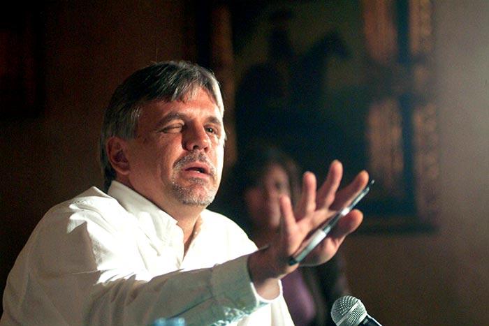 Carlos Imaz. Foto: Cuartoscuro