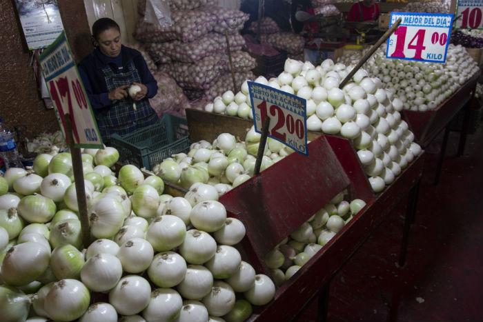 El incremento de los precios de los alimentos impactará en la capacidad adquisitiva del salario de los mexicanos. Foto: Cuartoscuro