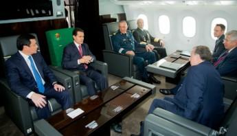 Peña Nieto viajó a lado de autoridades militares del Gobierno federal, integrantes del gabinete legal, el Staff de la Presidencia y representantes de los medios de comunicación para este vuelo inaugural. Foto: Cuartoscuro