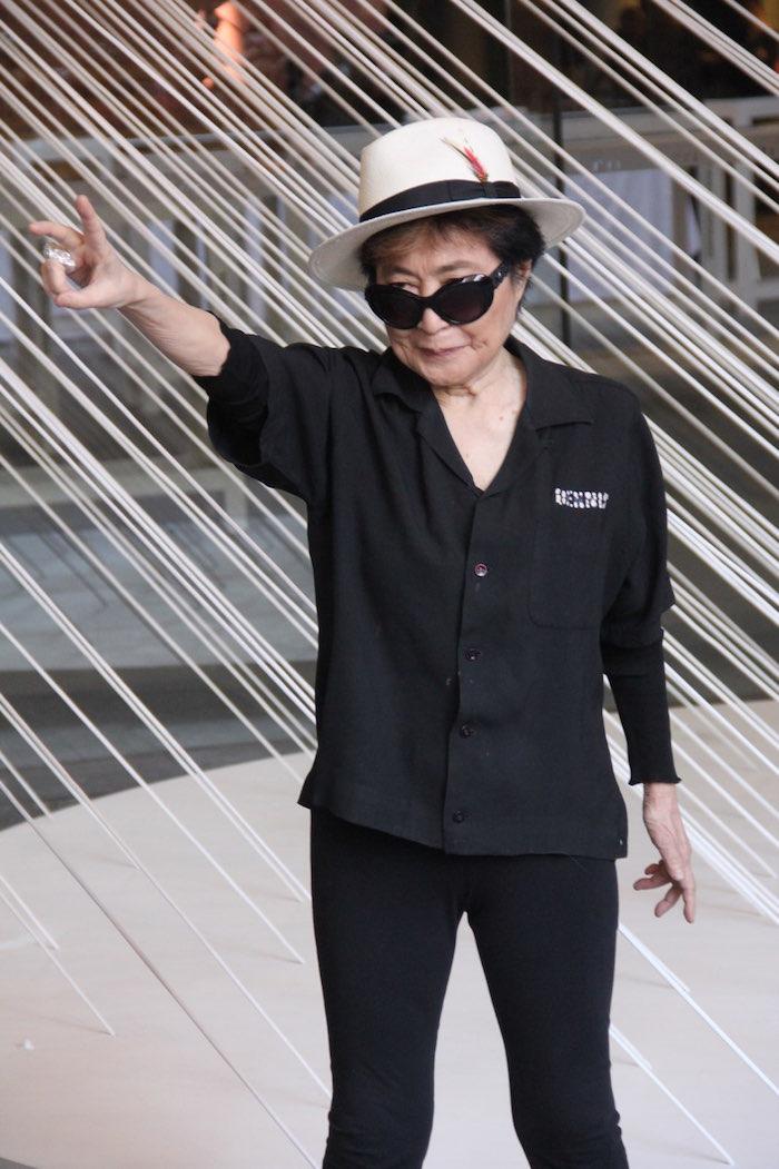 Una artista irrepetible haciendo votos por la Tierra de esperanza en nuestro país. Foto: Luis Barrón, SinEmbargo