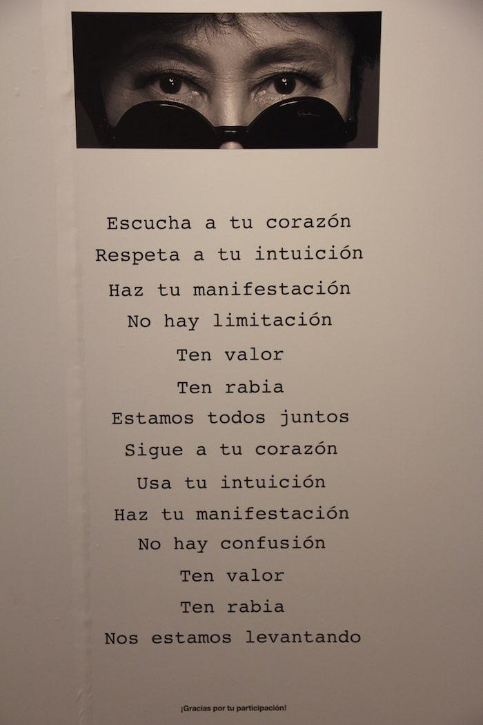 """""""Quiero pelear con ustedes para cambiar lo malo que está sucediendo en este país y lo hago a través de mi arte"""", declaró hoy Yoko Ono durante la presentación de su muestra en México. Foto: Luis Barrón, SinEmbargo"""