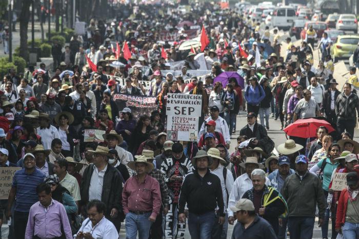 Protesta de maestros en contra de la Reforma Educatica, en diciembre de 2015. Foto: Cuartoscuro