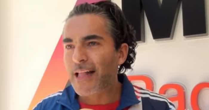 El conductor de Televisa, Raul Araiza, se defendió de sus críticos. Foto: Captura de pantalla