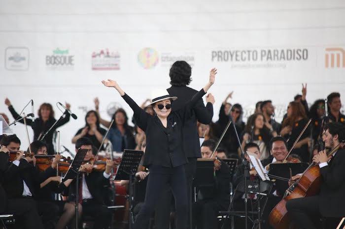 La artista acompañada de la Orquesta Sinfónica Juvenil Ollin Yoliztli. Foto: Francisco Cañedo, SinEmbargo