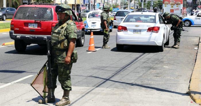 Resultado de imagen para matan a taxista colectivo en acapulco
