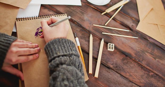 Dibujar no es sólo una manera de representar el mundo que nos rodea, también es una manera de descubrirlo. Foto: Archivo