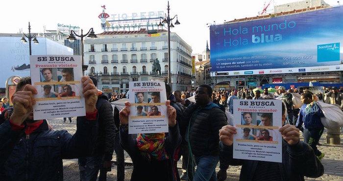 Manifestación en España. Foto: Twitter @gloriaserranos.