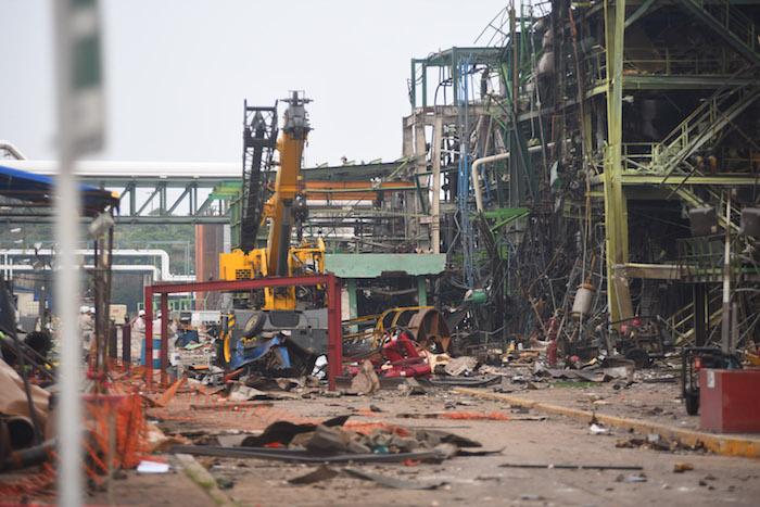 El siniestro ocurrido el miércoles en la planta de Pemex de Coatzacoalcos, Veracruz, ha cobrado la vida de al menos 27 personas. Foto: Cuartoscuro